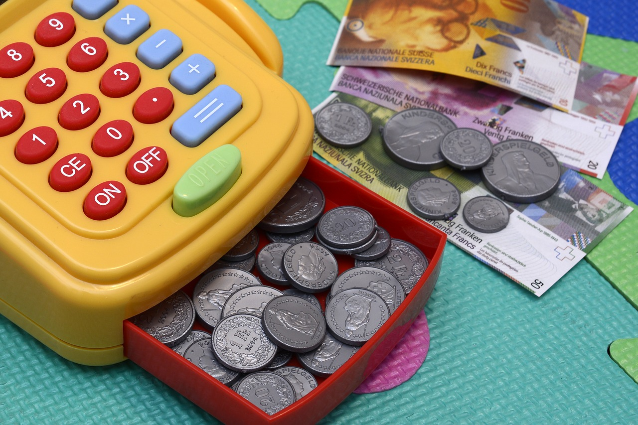 レジスターのおもちゃとコイン