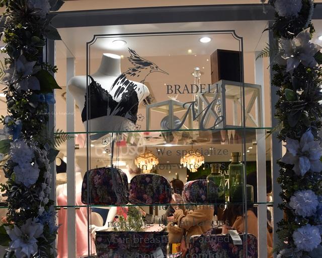 ブラデリスニューヨークミーの店舗