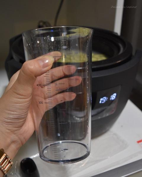 かまどさん電気付属の水用計量カップ
