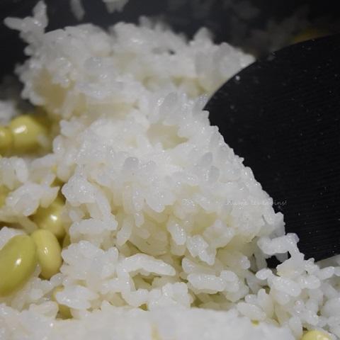 「かまどさん電気」で炊けたササニシキの青大豆ごはん2