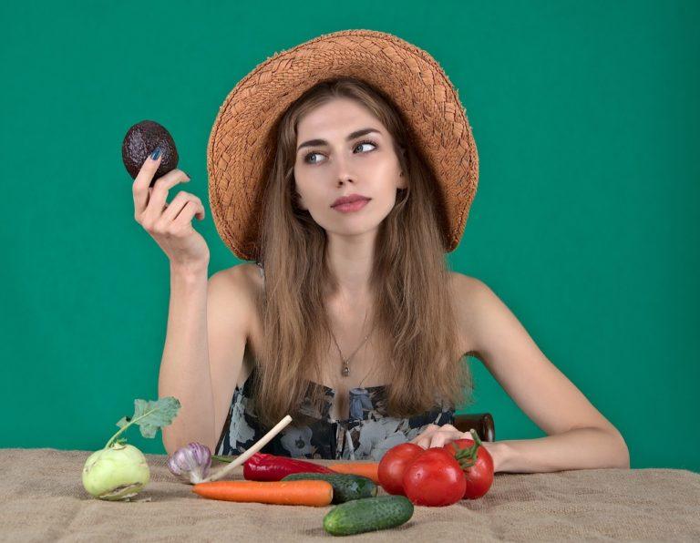 美肌になるには食物の栄養が一番