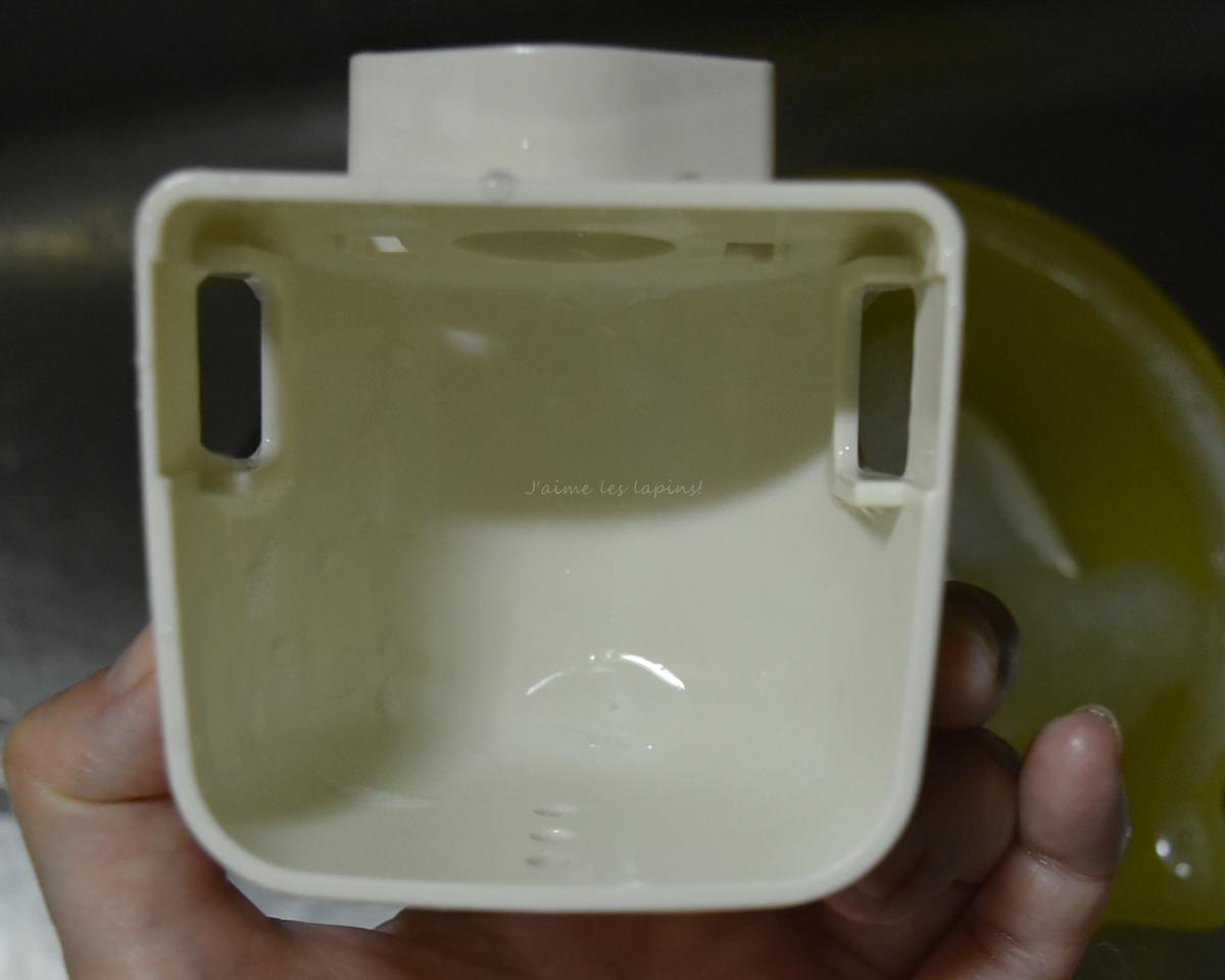 除菌消毒した、うさぎの給水ボトル
