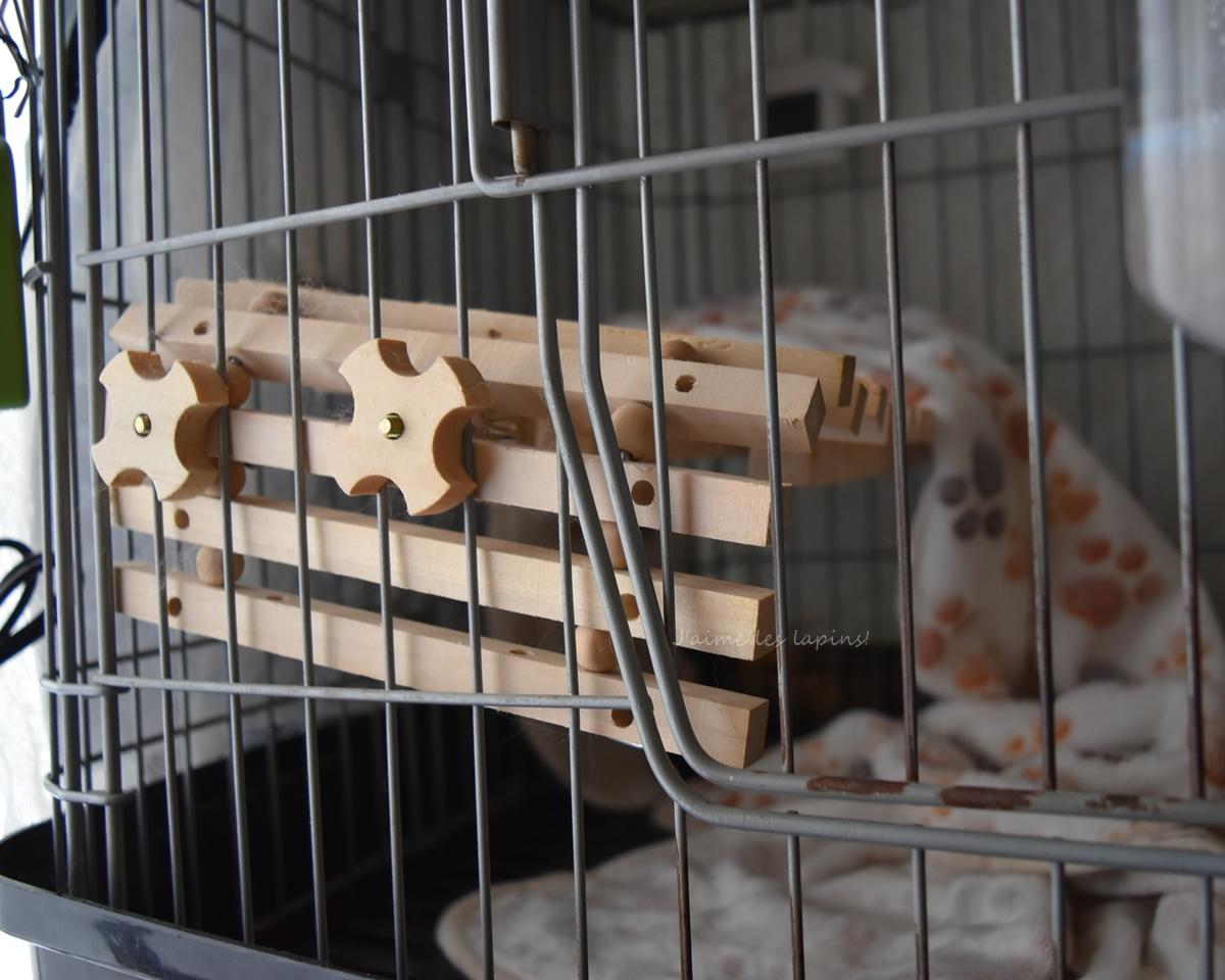 うさぎのケージ内のロフト