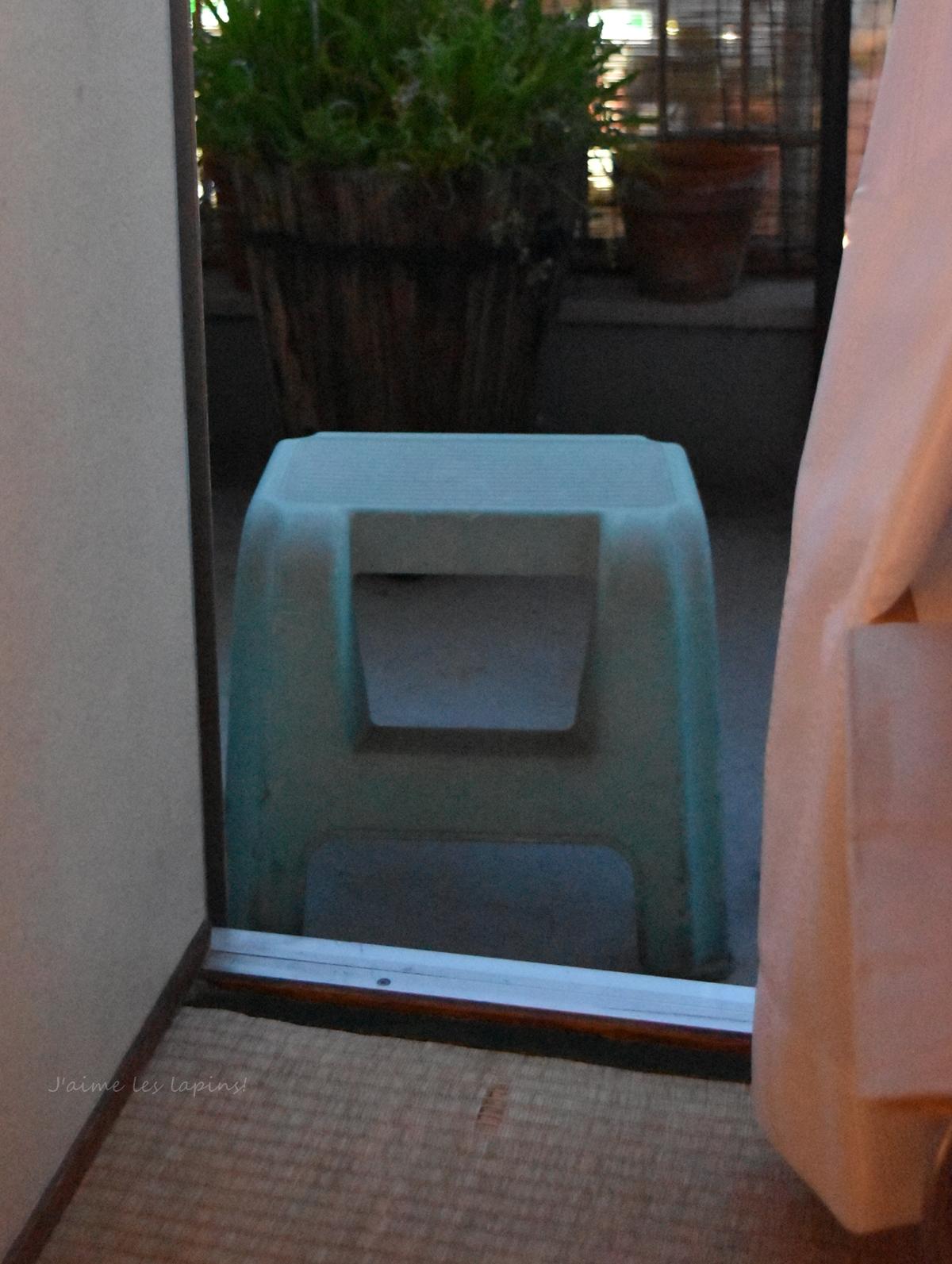 ベランダと椅子