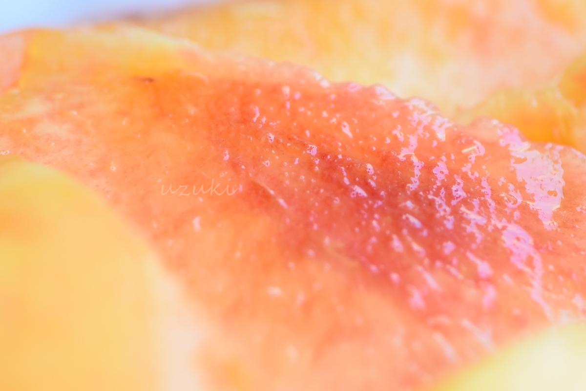 桃「月あかり」果実のアップ
